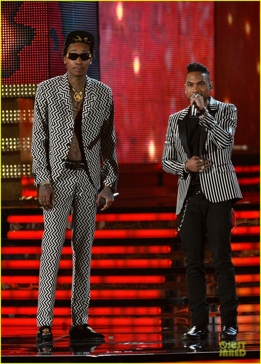 miguel wiz khalifa grammys 2013 performance watch now 012809513