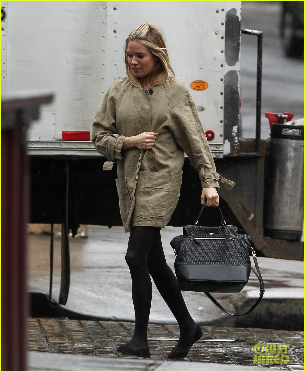 sienna miller runs in the rain 04