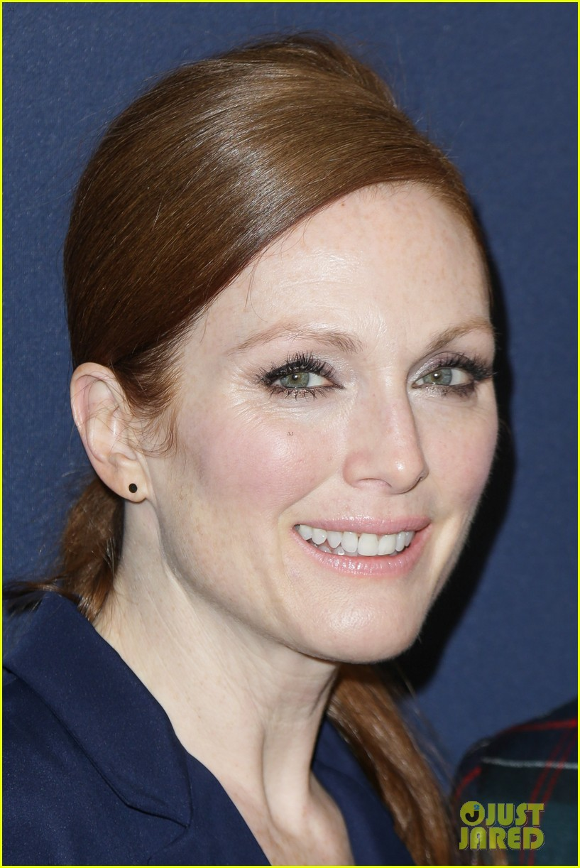 julianne moore jaime king fashion shows in new york 142809828