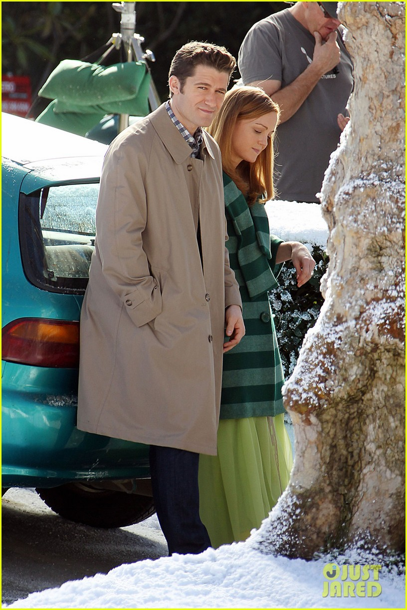 matthew morrison winter wonderland on glee set 012802592
