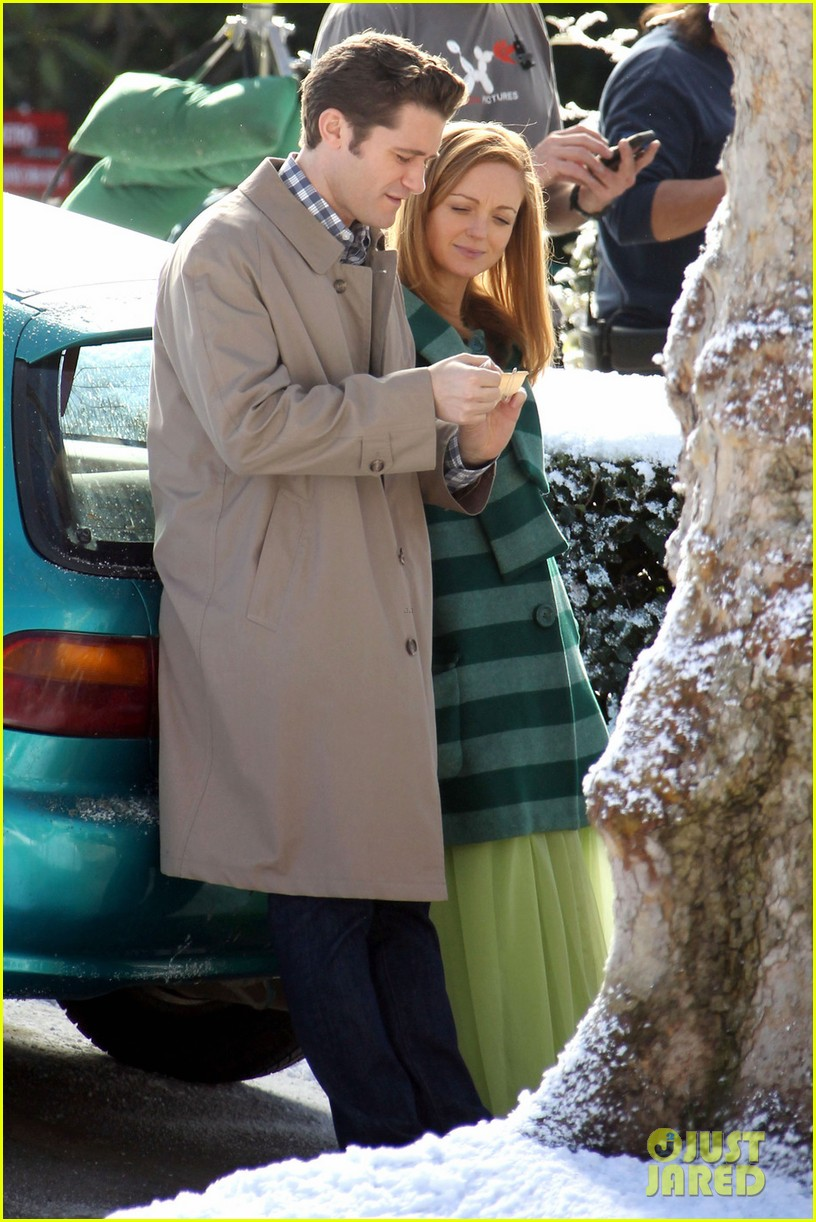matthew morrison winter wonderland on glee set 03