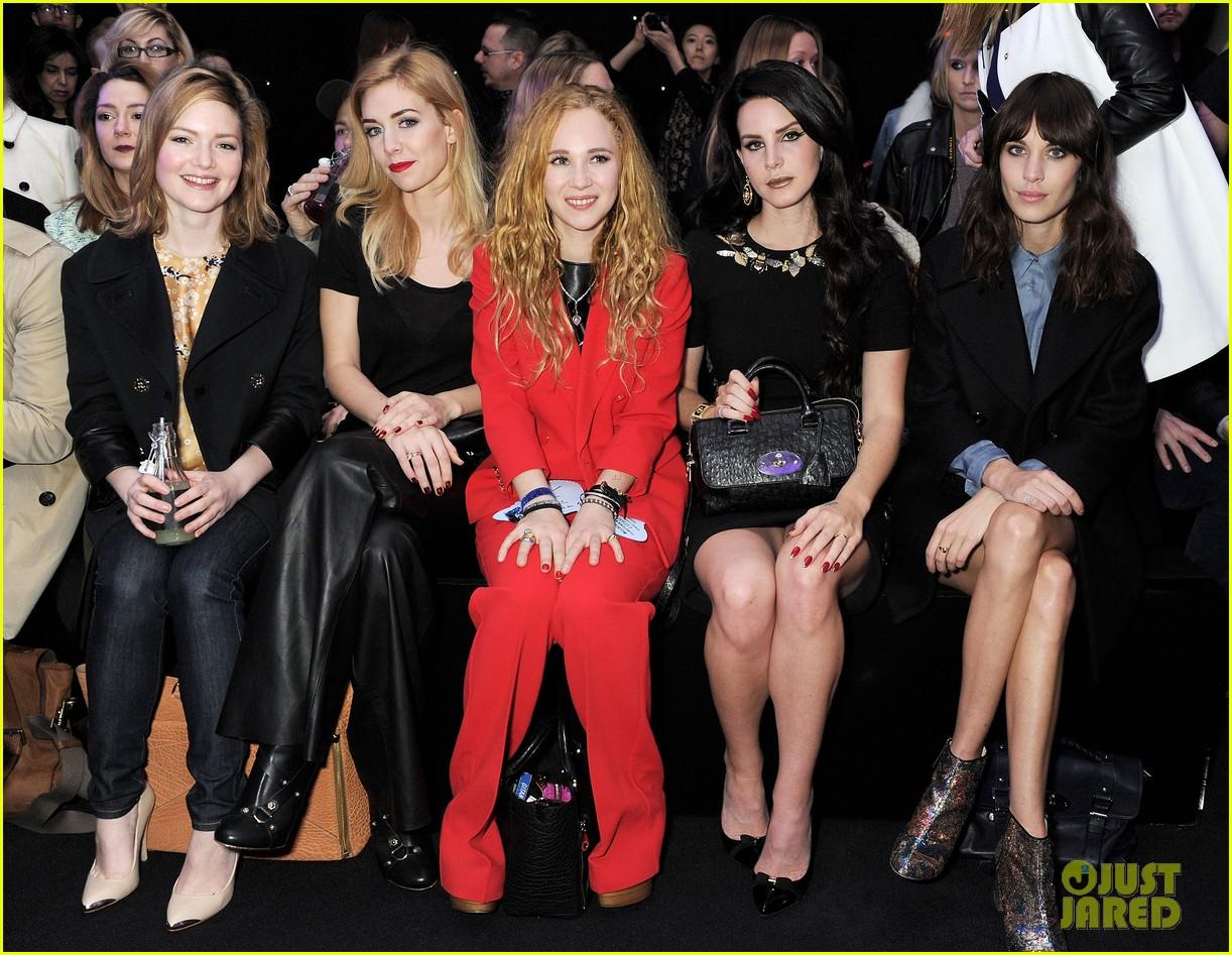 lana del rey sam claflin mulberry fashion show 18