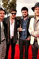 mumford sons gramms 2013 red carpet 01