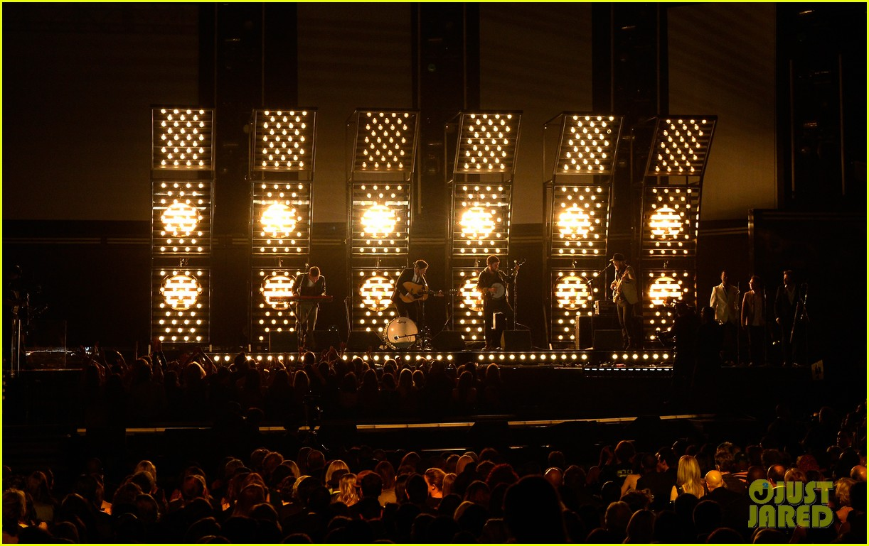 mumford sons i will wait grammys 2013 performance watch now 02