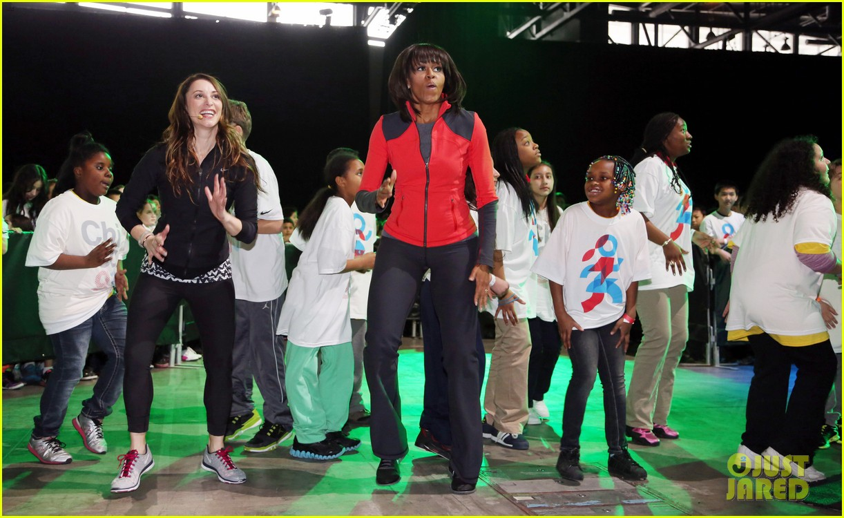michelle obama school exercise program with jordin sparks 182822601