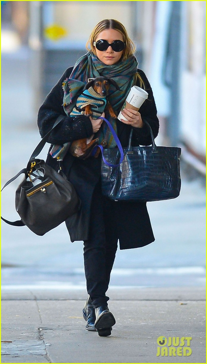 ashley olsen west village walk 06