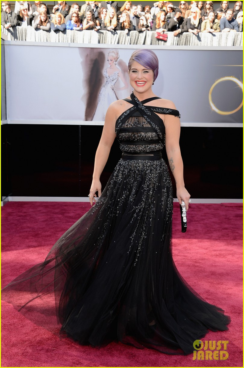 kelly osbourne guiliana rancic oscars 2013 red carpet 01