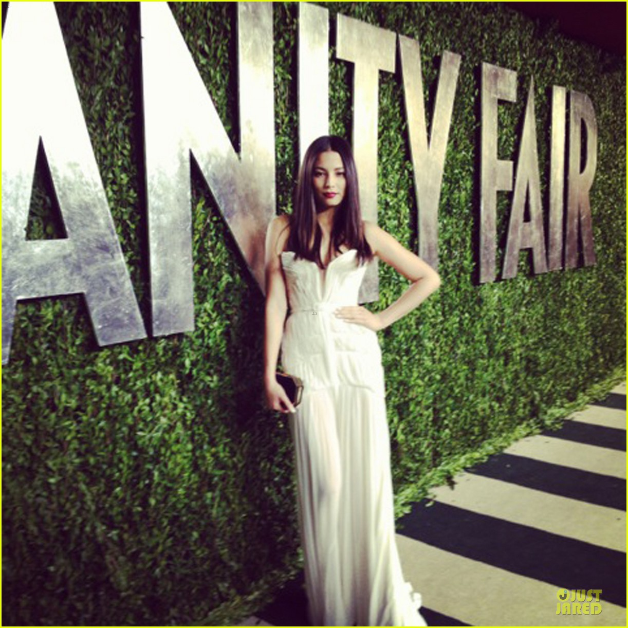 teresa palmer margot robbie vanity fair oscars party 2013 05