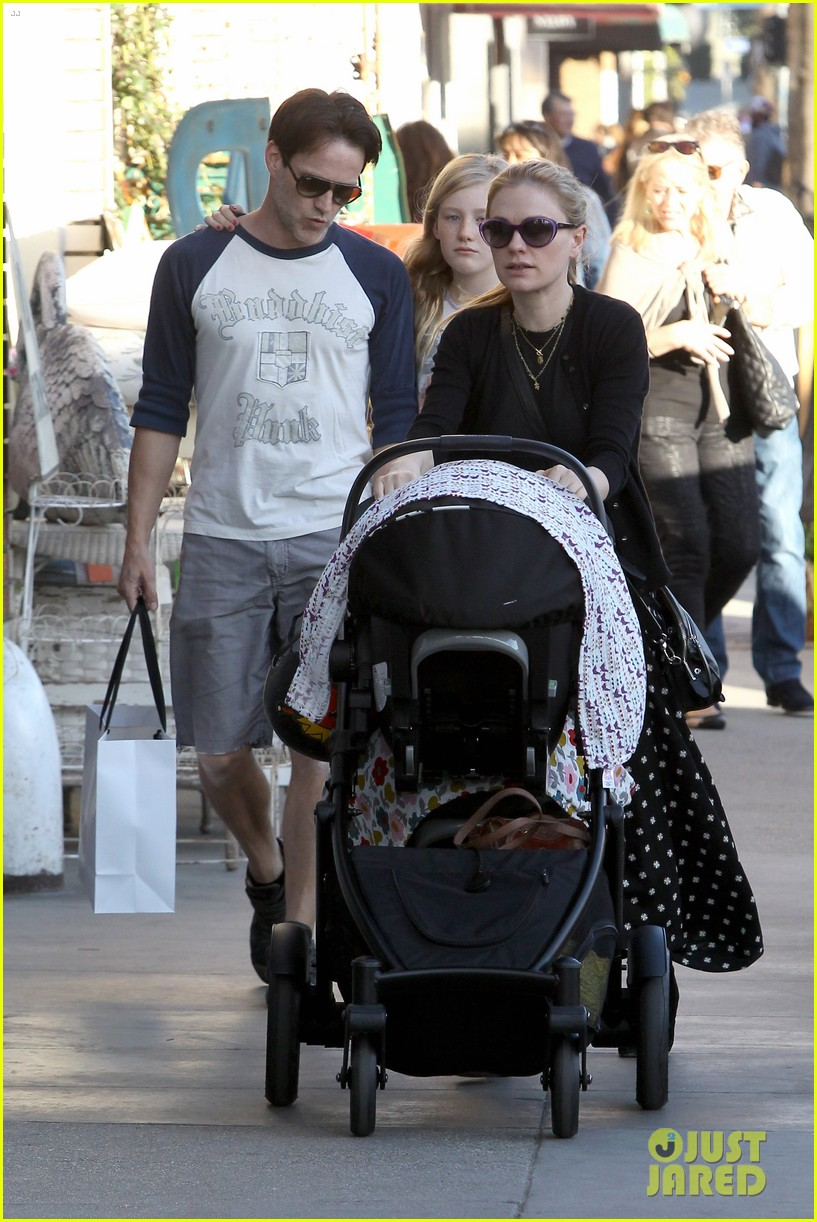 anna paquin shopping with one of her twins 17