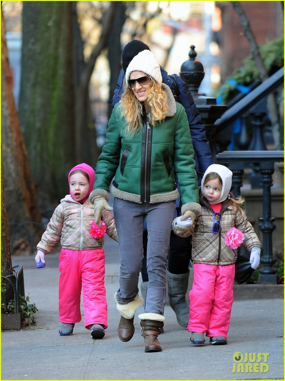 sarah jessica parker bundled up in the big apple 032805115
