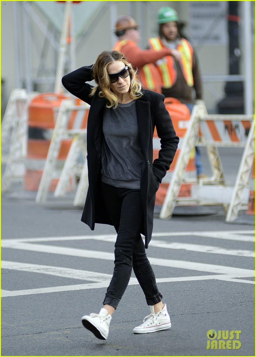 sarah jessica parker morning walk with the twins 21