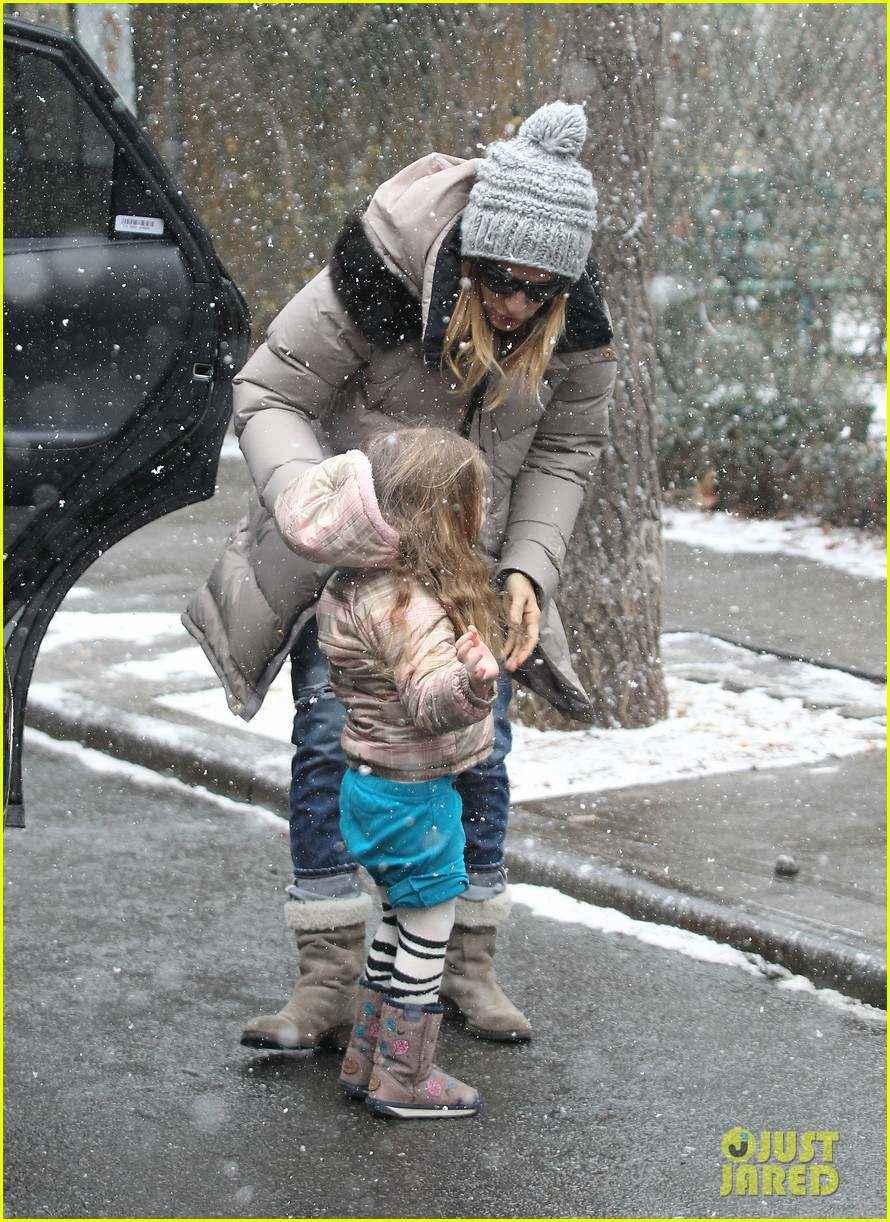 sarah jessica parker morning walk with the twins 33