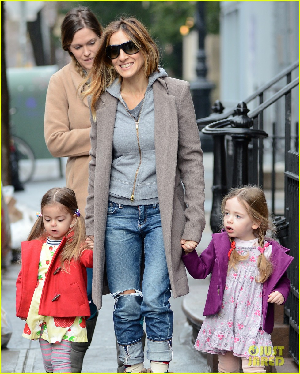 sarah jessica parker morning walk with the twins 40