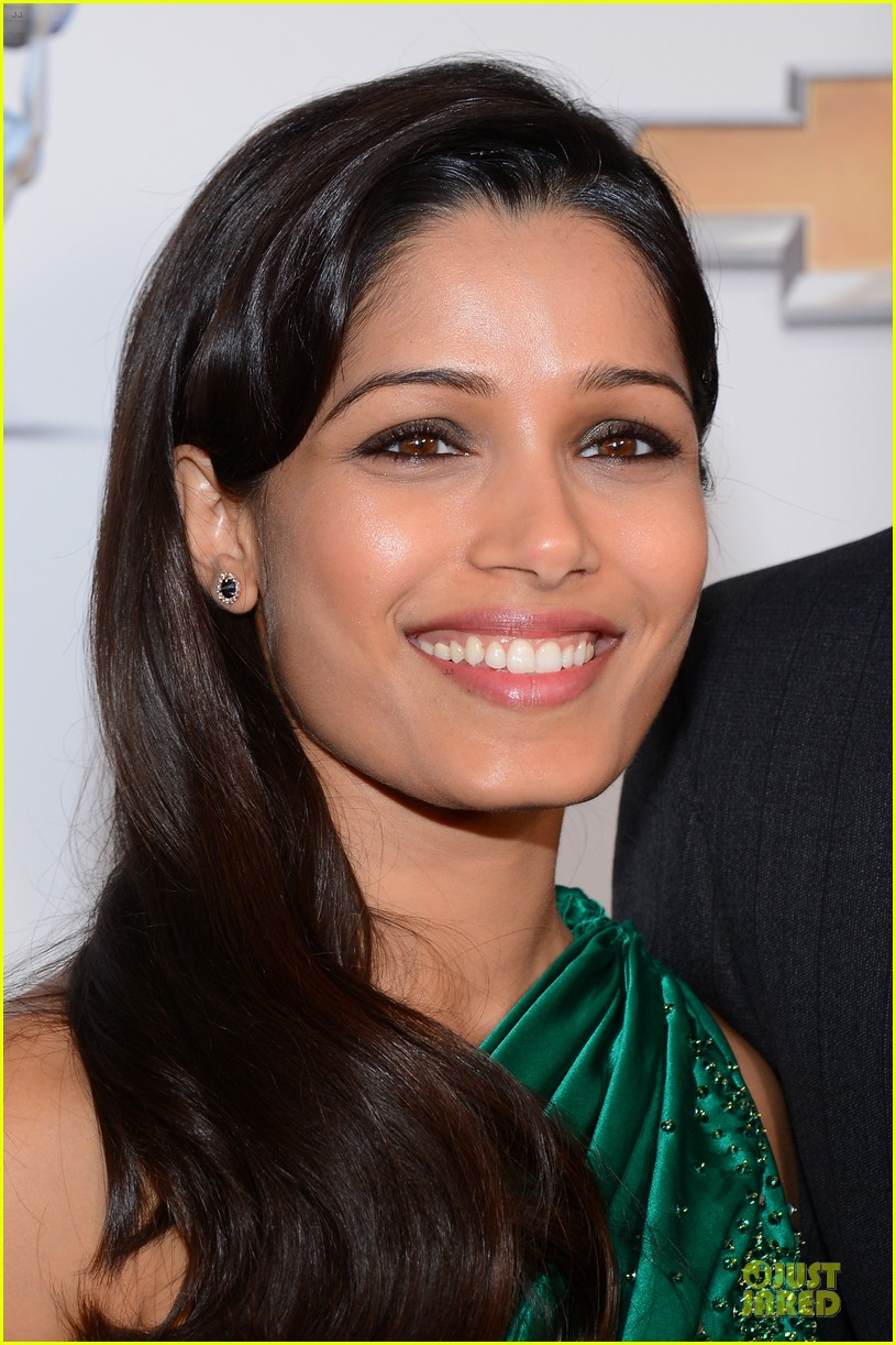 freida pinto dev patel naacp image awards red carpet 2013 04