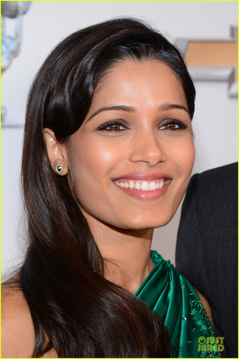 freida pinto dev patel naacp image awards red carpet 2013 13
