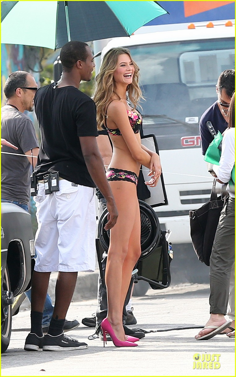 behati prinsloo candice swanepoel bikini photo shoot with michael bay 06