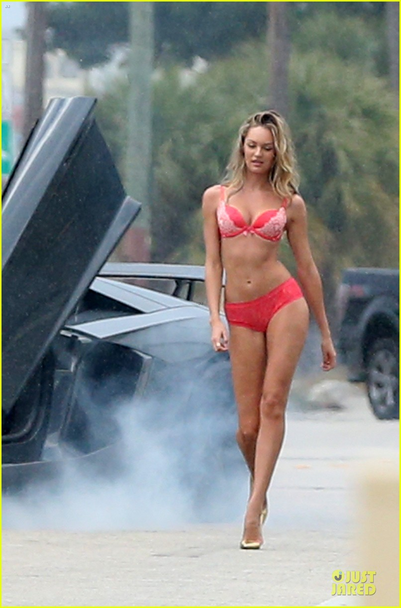 behati prinsloo candice swanepoel bikini photo shoot with michael bay 17