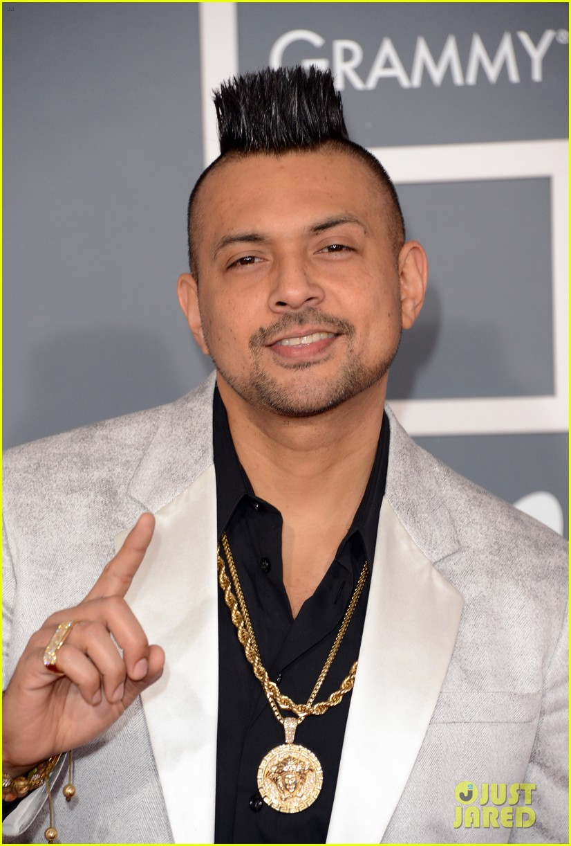 redfoo sean paul grammys 2013 red carpet 04