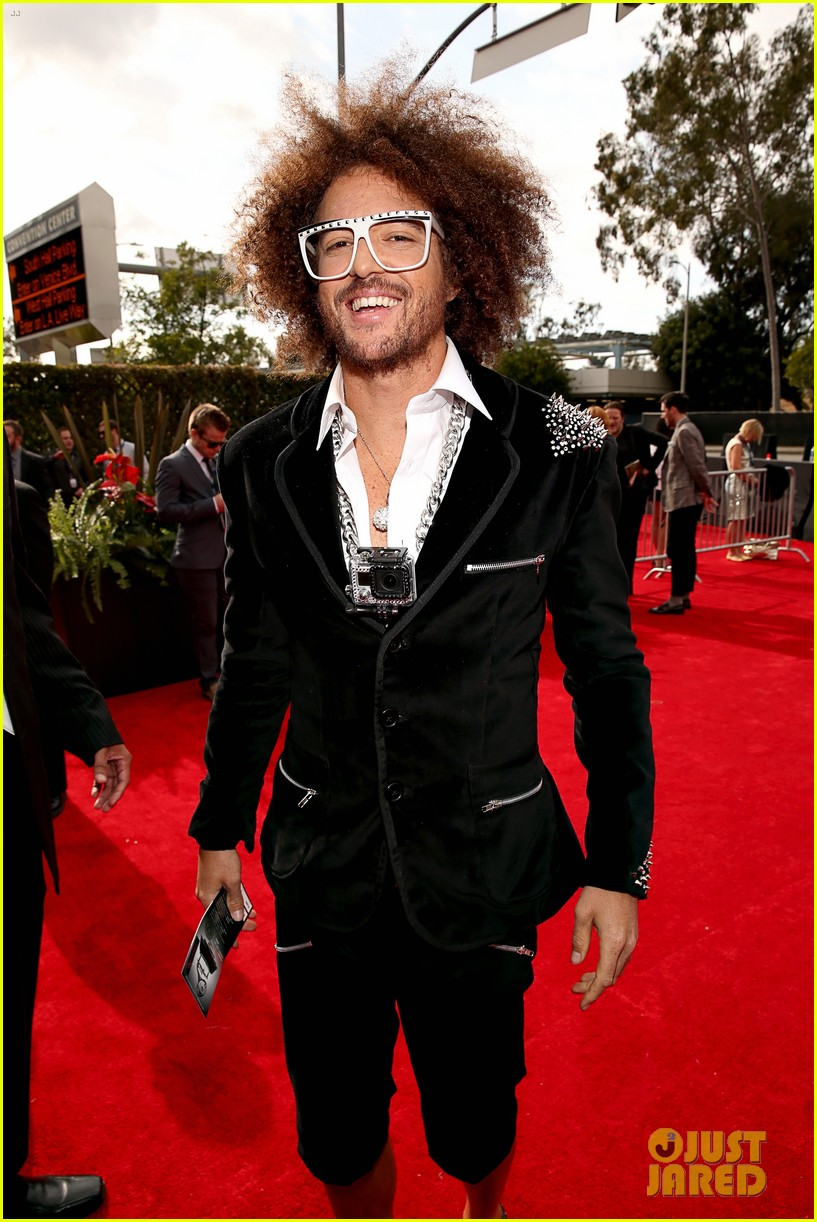redfoo sean paul grammys 2013 red carpet 06