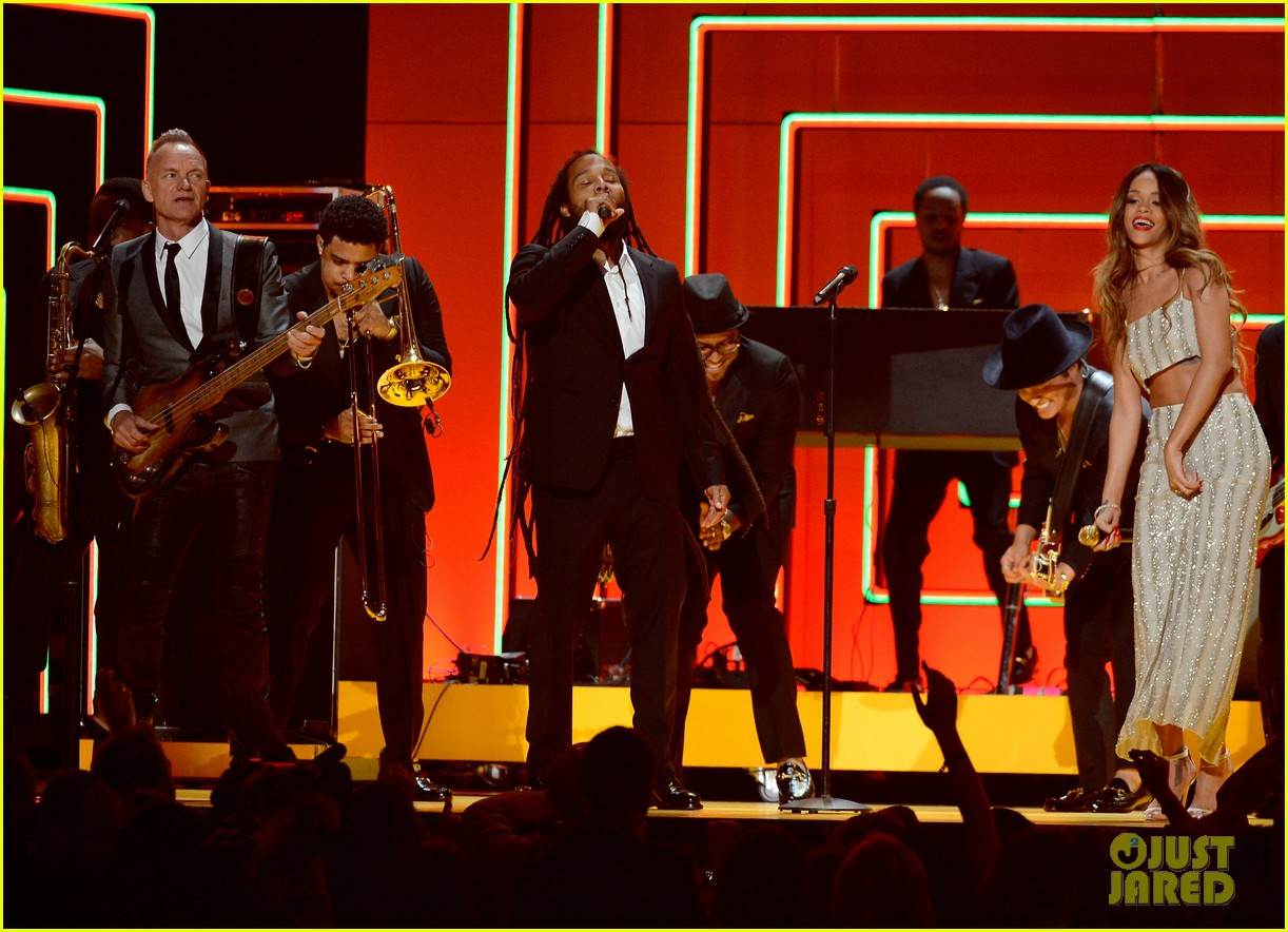 rihanna bob marley tribute at grammys 2013 watch now 01