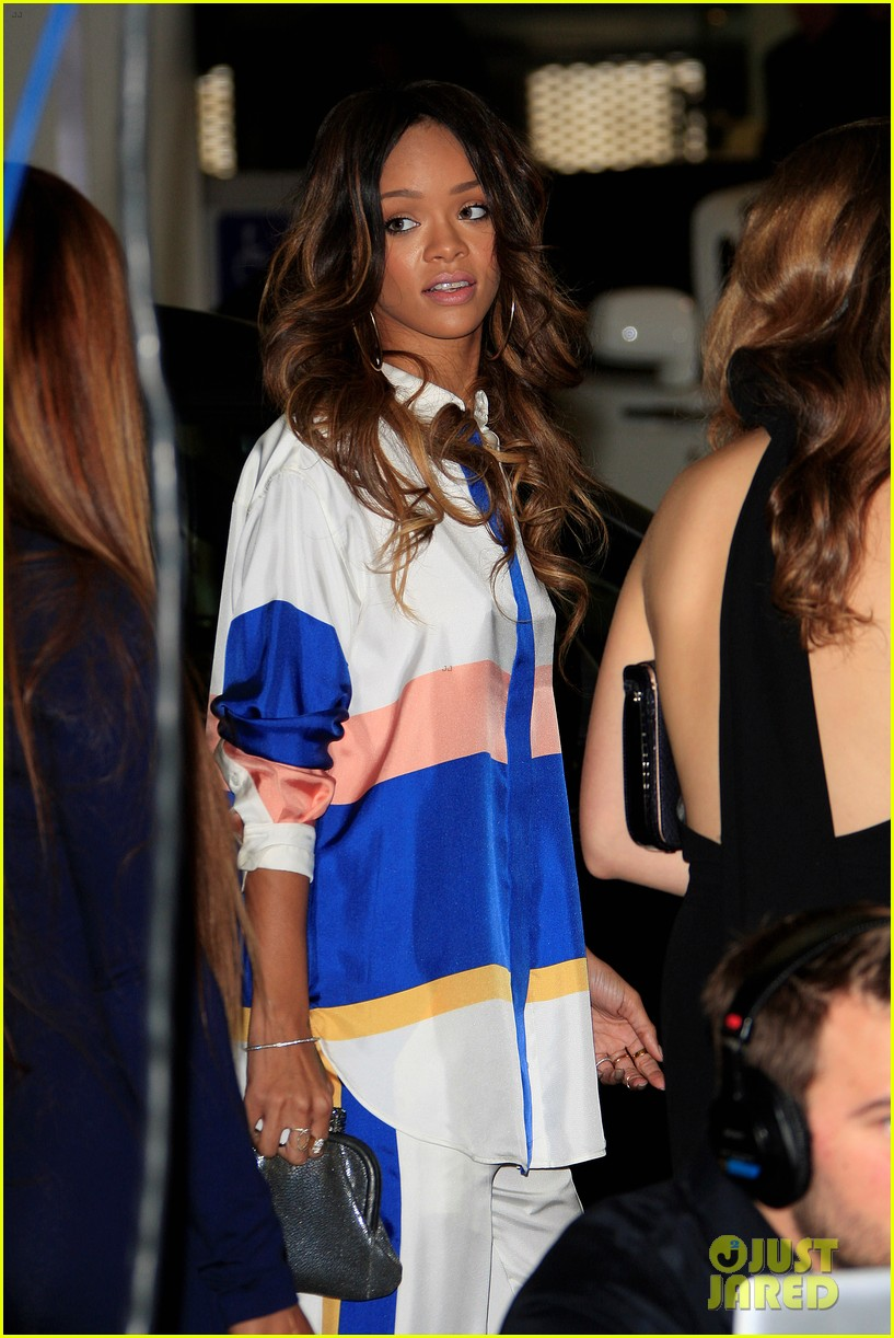 rihanna chris brown rocnation pre grammys brunch 2013 04