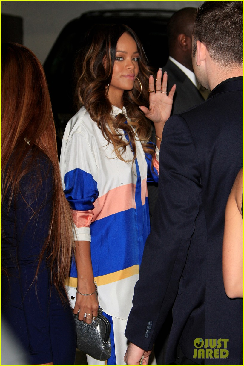 rihanna chris brown rocnation pre grammys brunch 2013 06