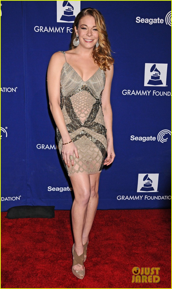 leann rimes grammy foundation play it forward event 01