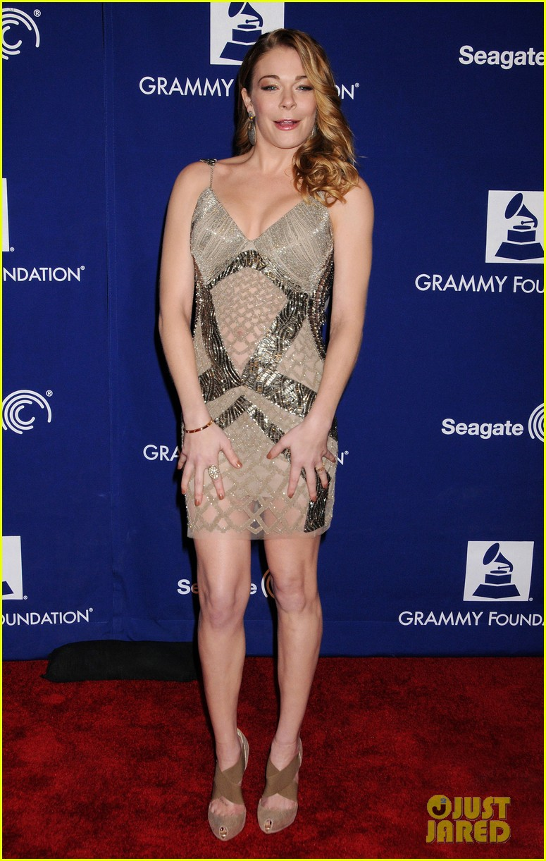 leann rimes grammy foundation play it forward event 092807026