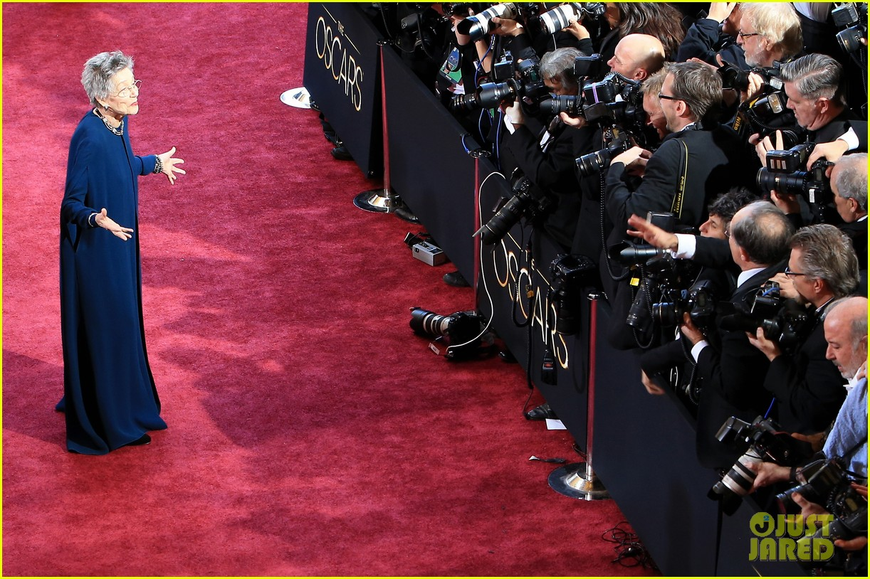 emmanuelle riva oscars 2013 red carpet 06
