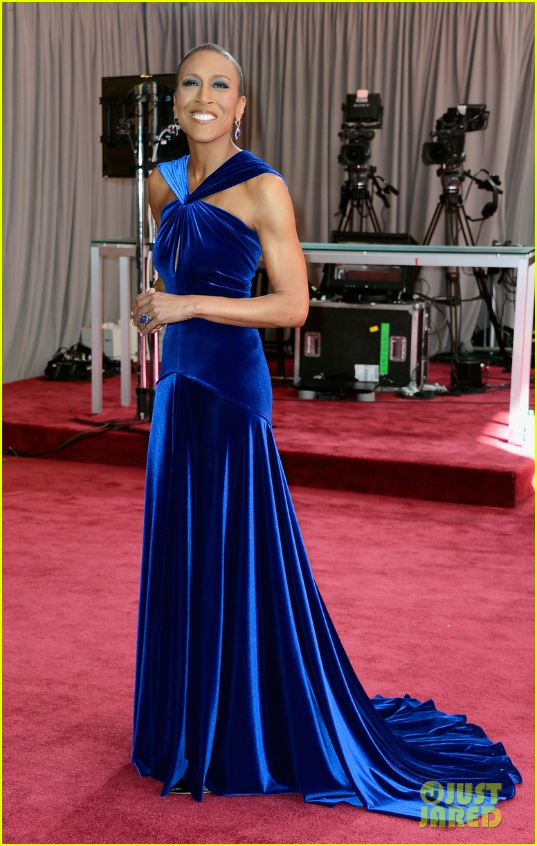 robin roberts lara spencer oscars 2013 red carpet 032818934
