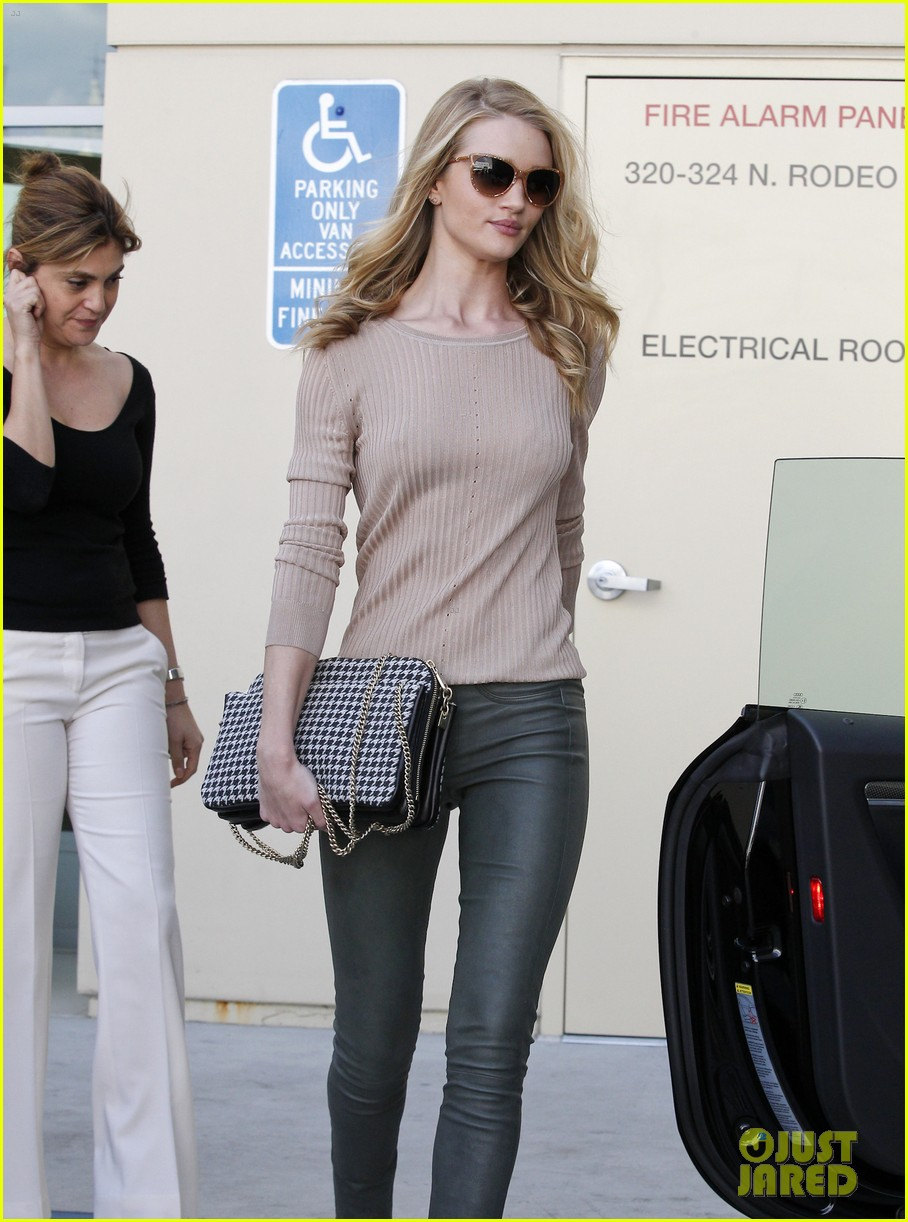 rosie huntington whiteley new hummingbird tattoo 02