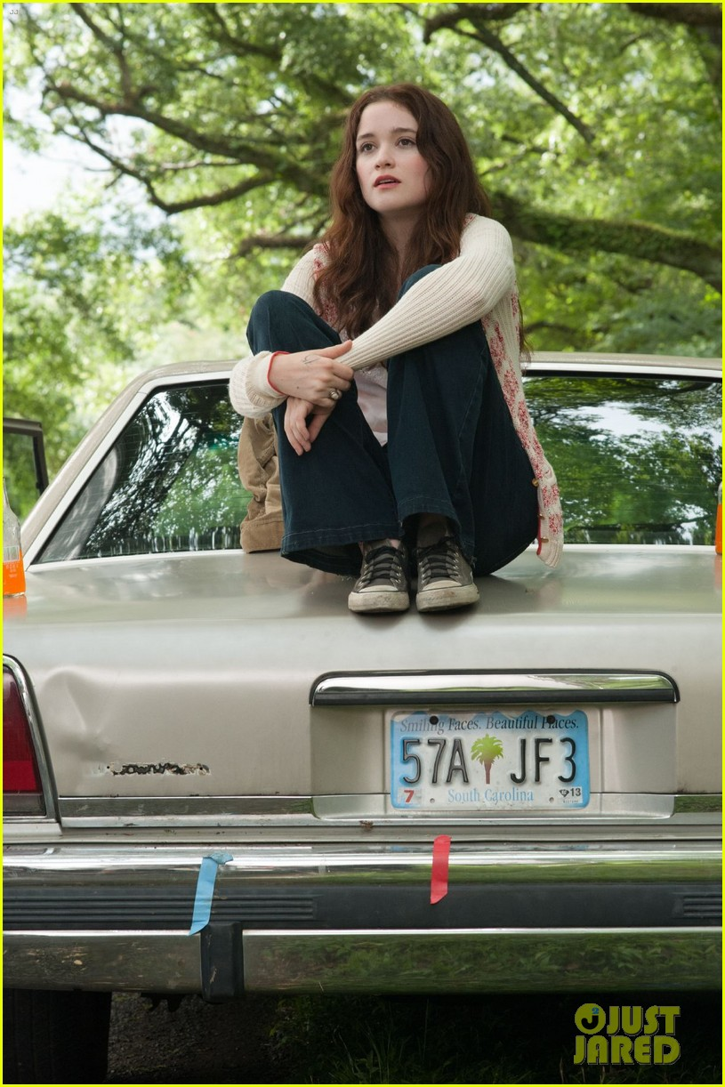 emmy rossum new beautiful creatures stills exclusive 03