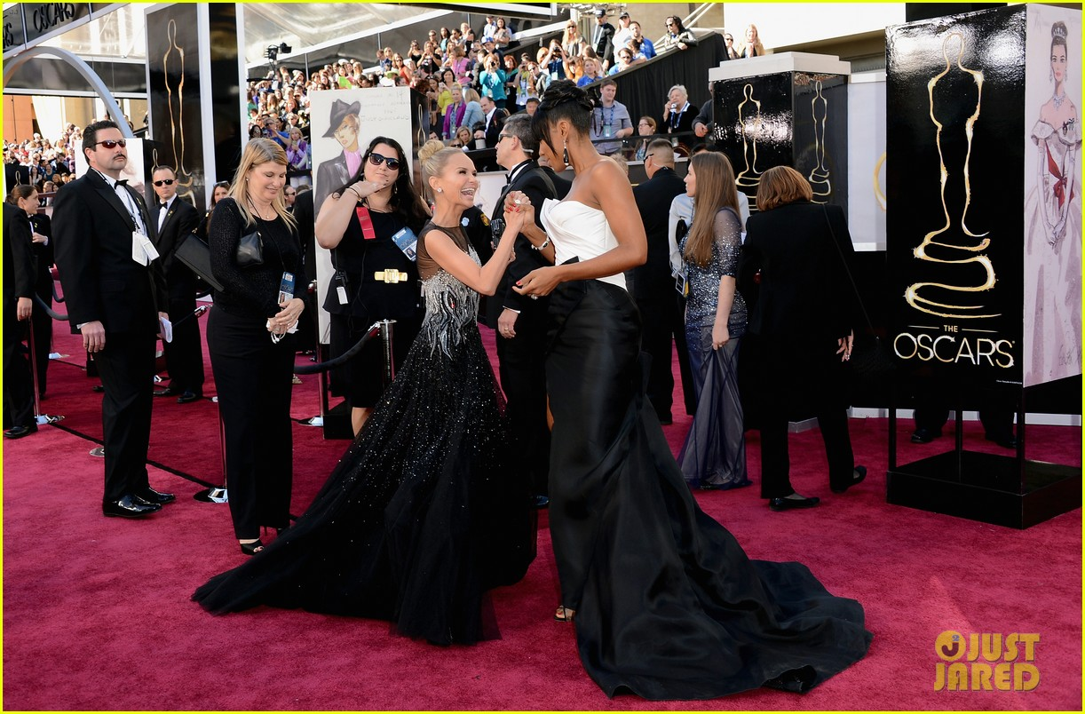 kelly rowland oscars 2013 red carpet 03