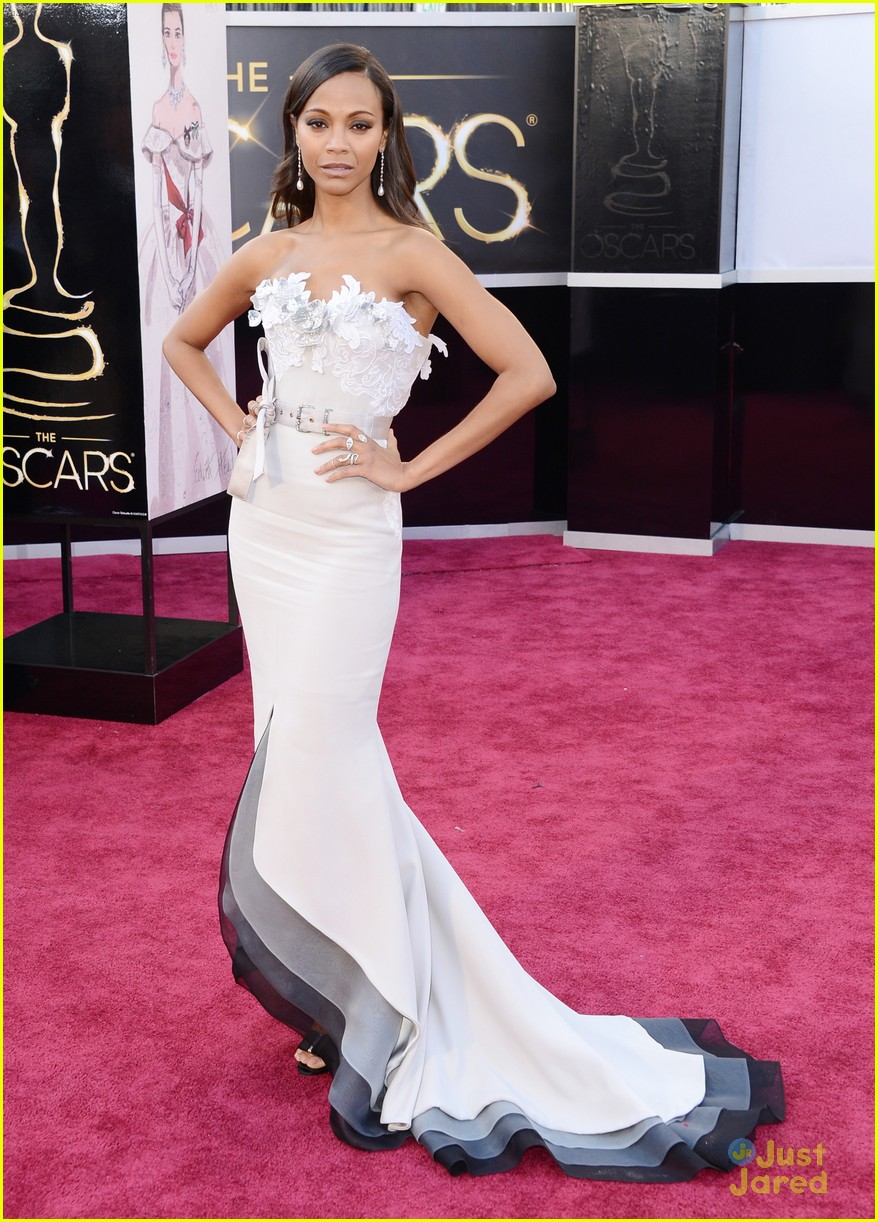 zoe saldana oscars 2013 red carpet 01