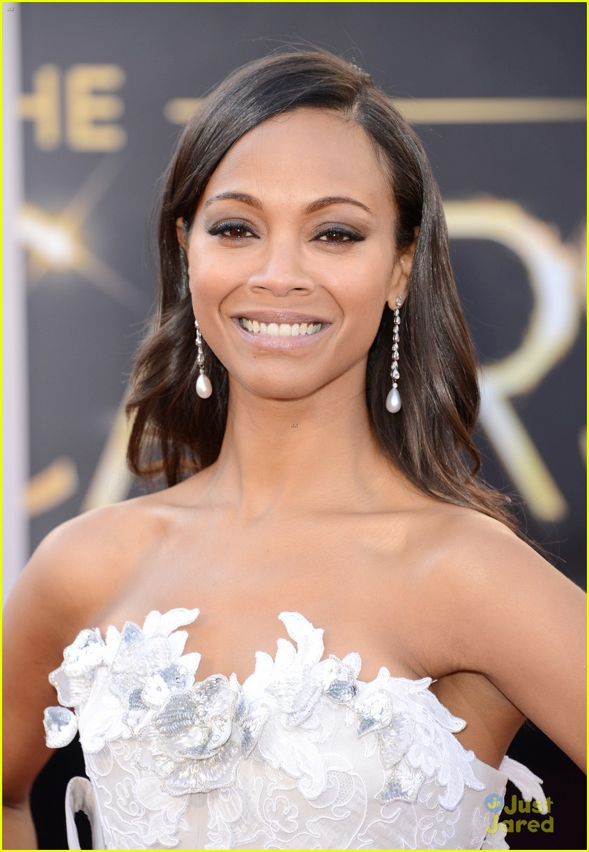 zoe saldana oscars 2013 red carpet 04