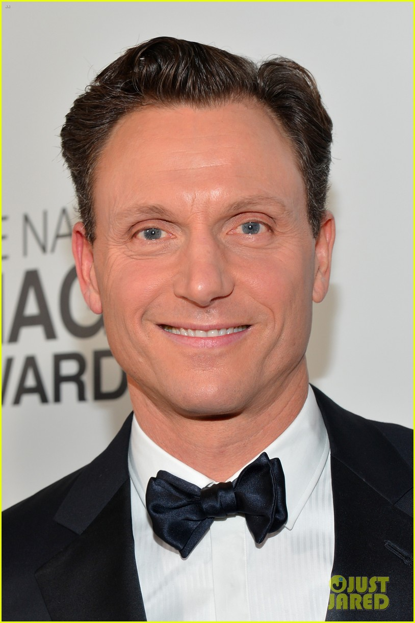 tony goldwyn scandal wins naacp best drama series 16