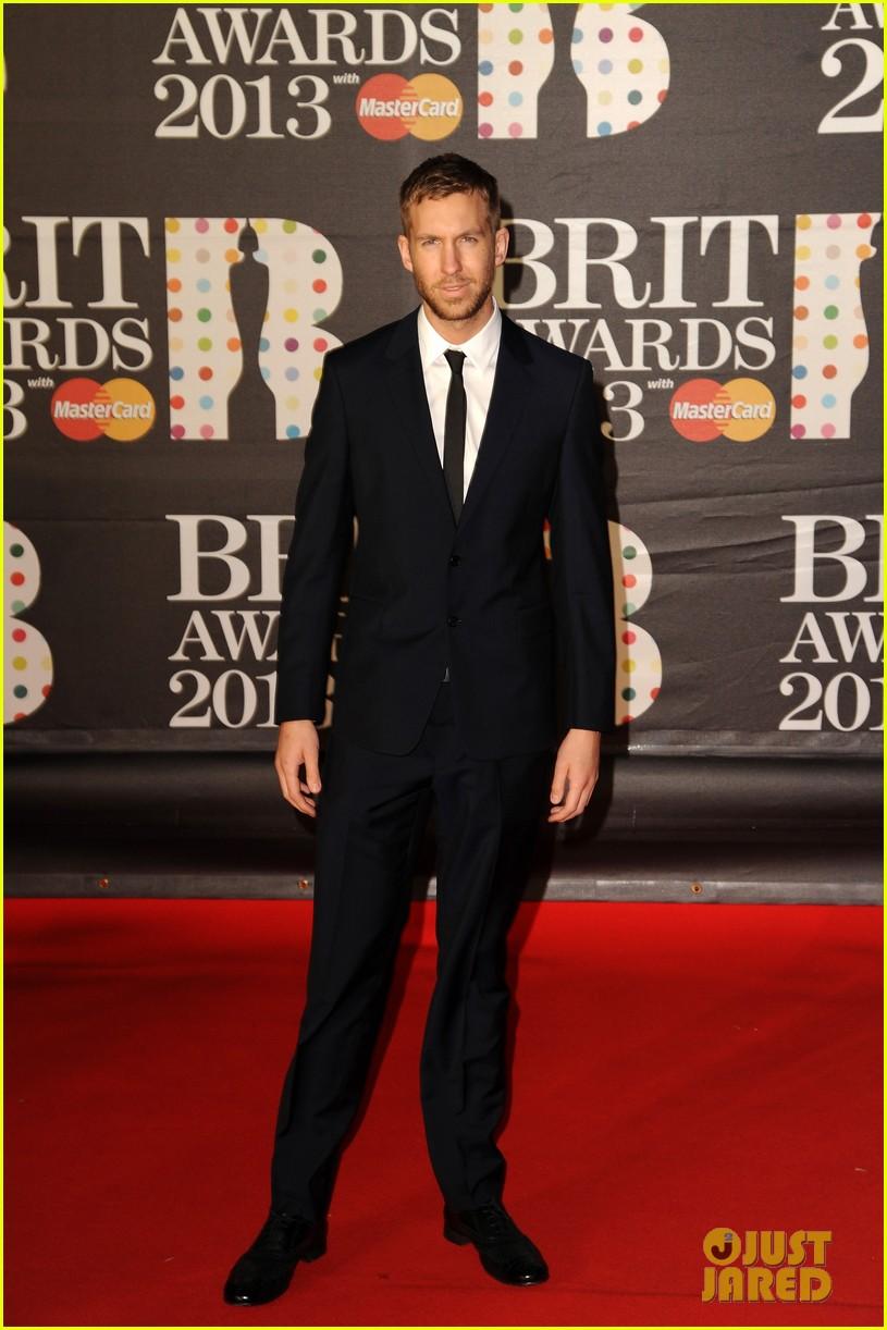 ed sheeran conor maynard brit awards 2013 red carpet 01