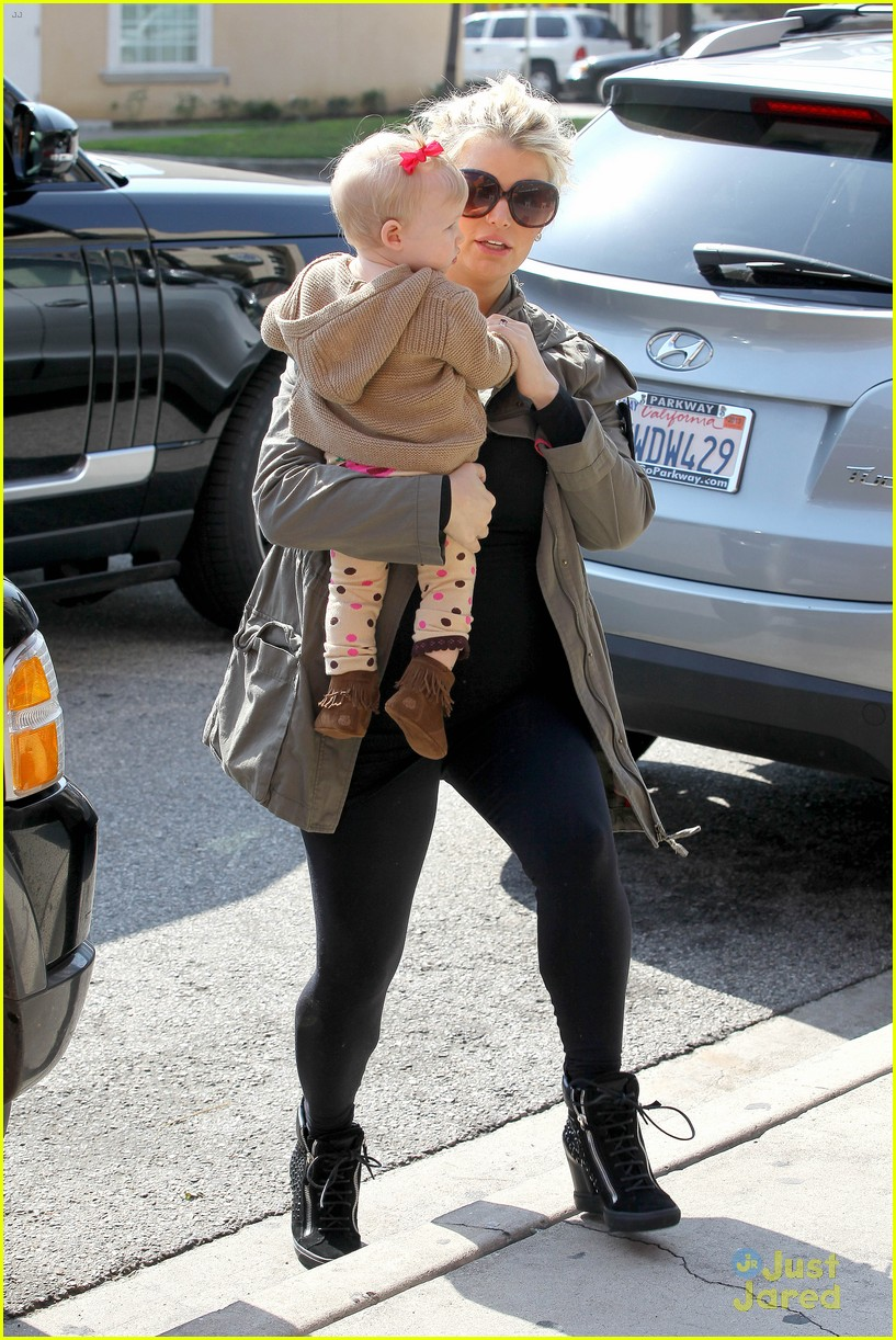 jessica simpson don cuco lunch with baby maxwell 012814657