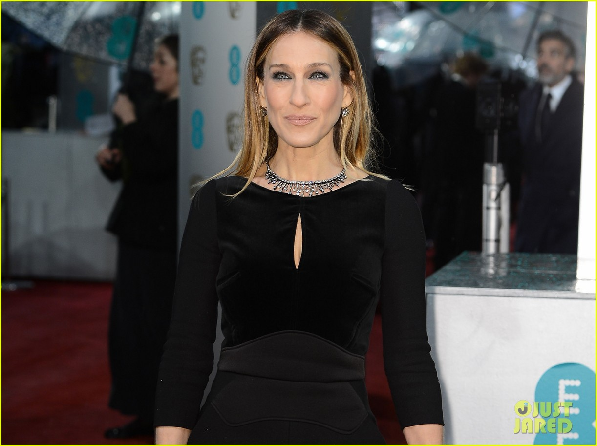sarah jessica parker baftas 2013 red carpet 02