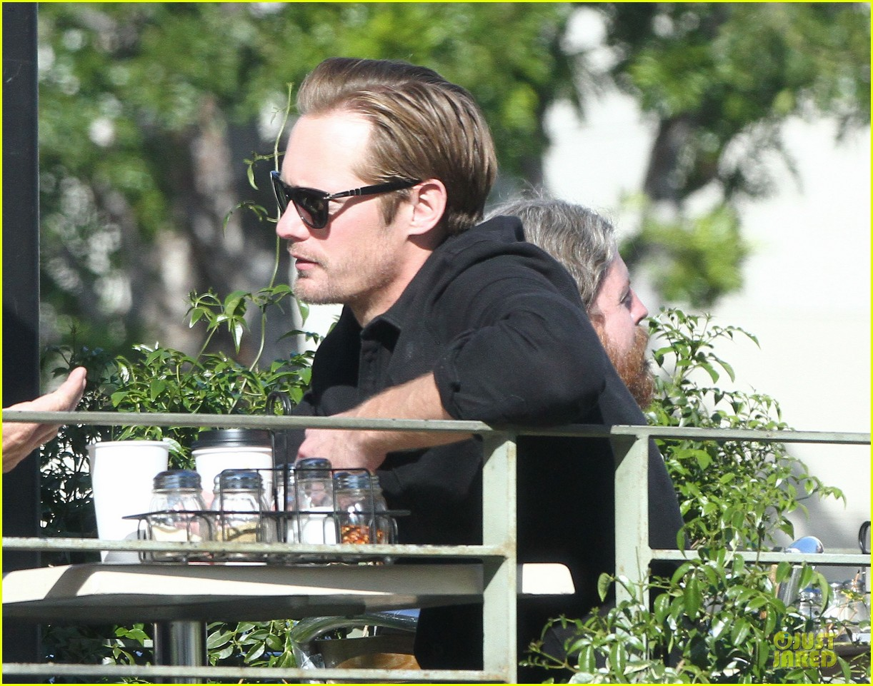 alexander skarsgard post super bowl lunch in los feliz 04