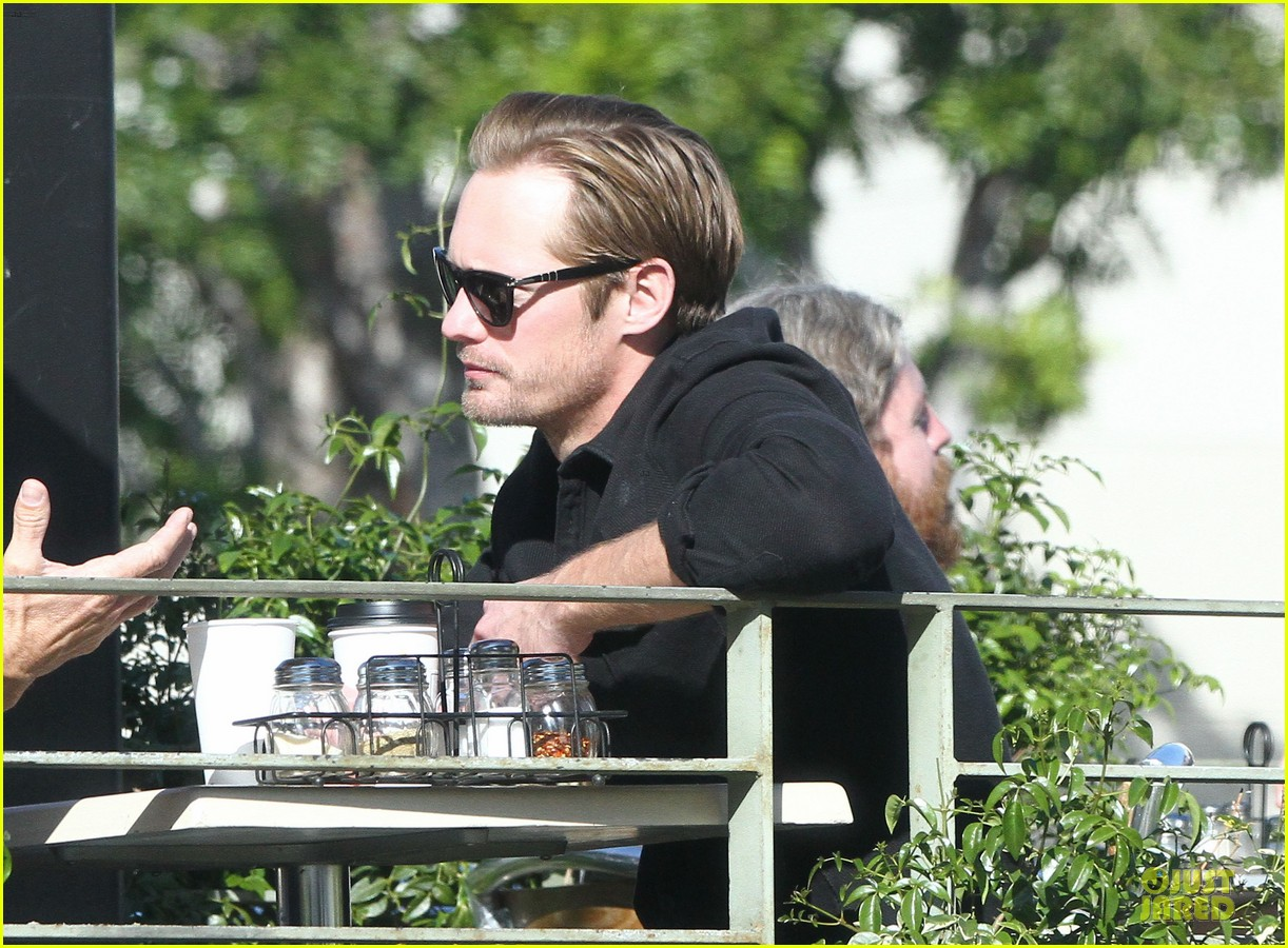 alexander skarsgard post super bowl lunch in los feliz 14