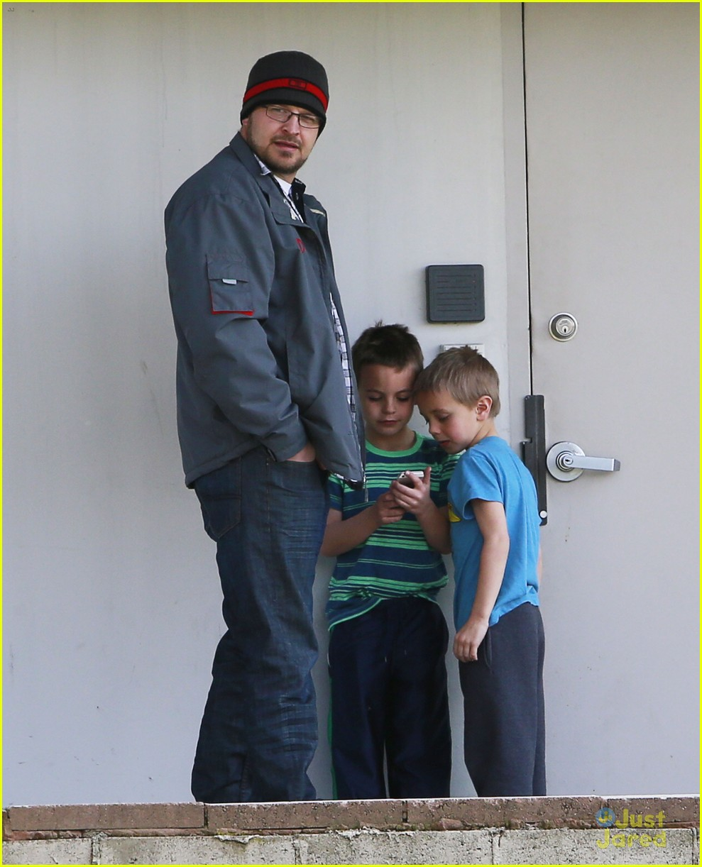 britney spears animal hospital with hannah and the boys 13