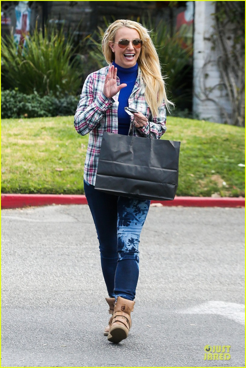britney spears say good morning to my new baby 01