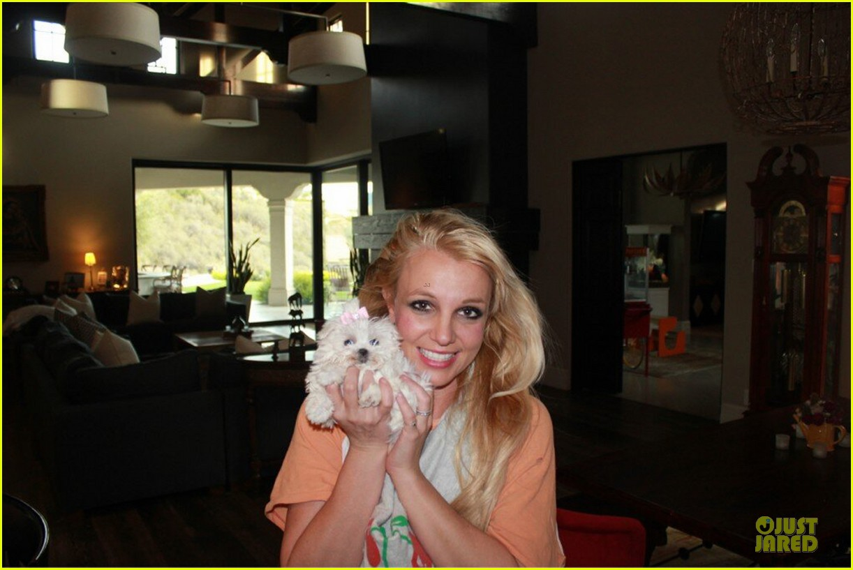 britney spears say good morning to my new baby 05