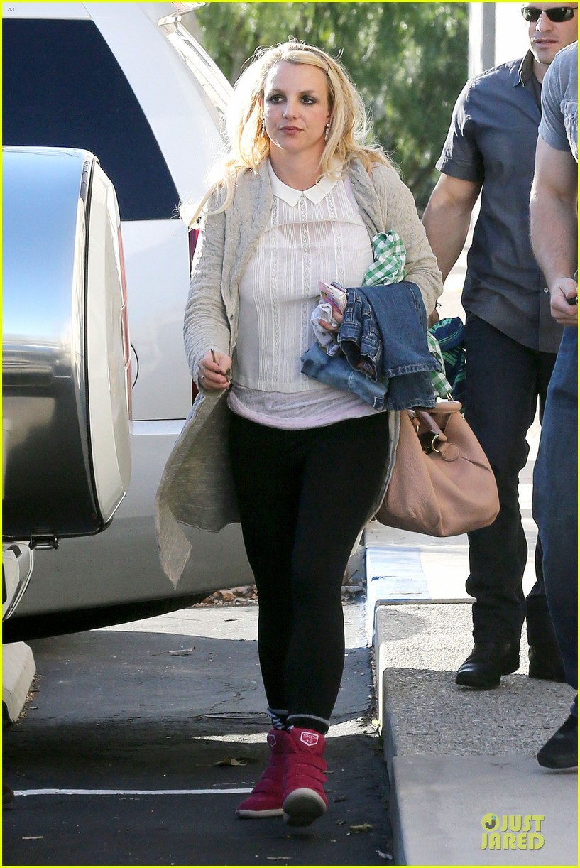 britney spears gymnastics class with the boys 132810941