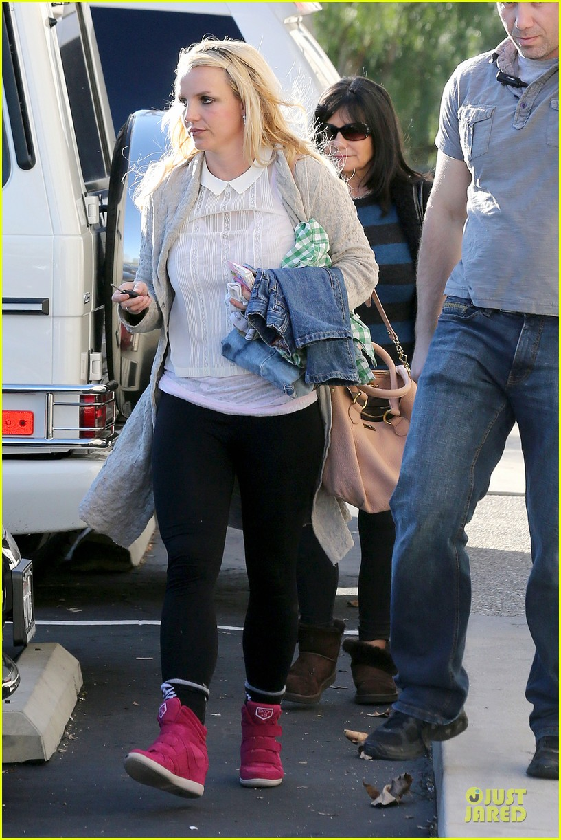 britney spears gymnastics class with the boys 18