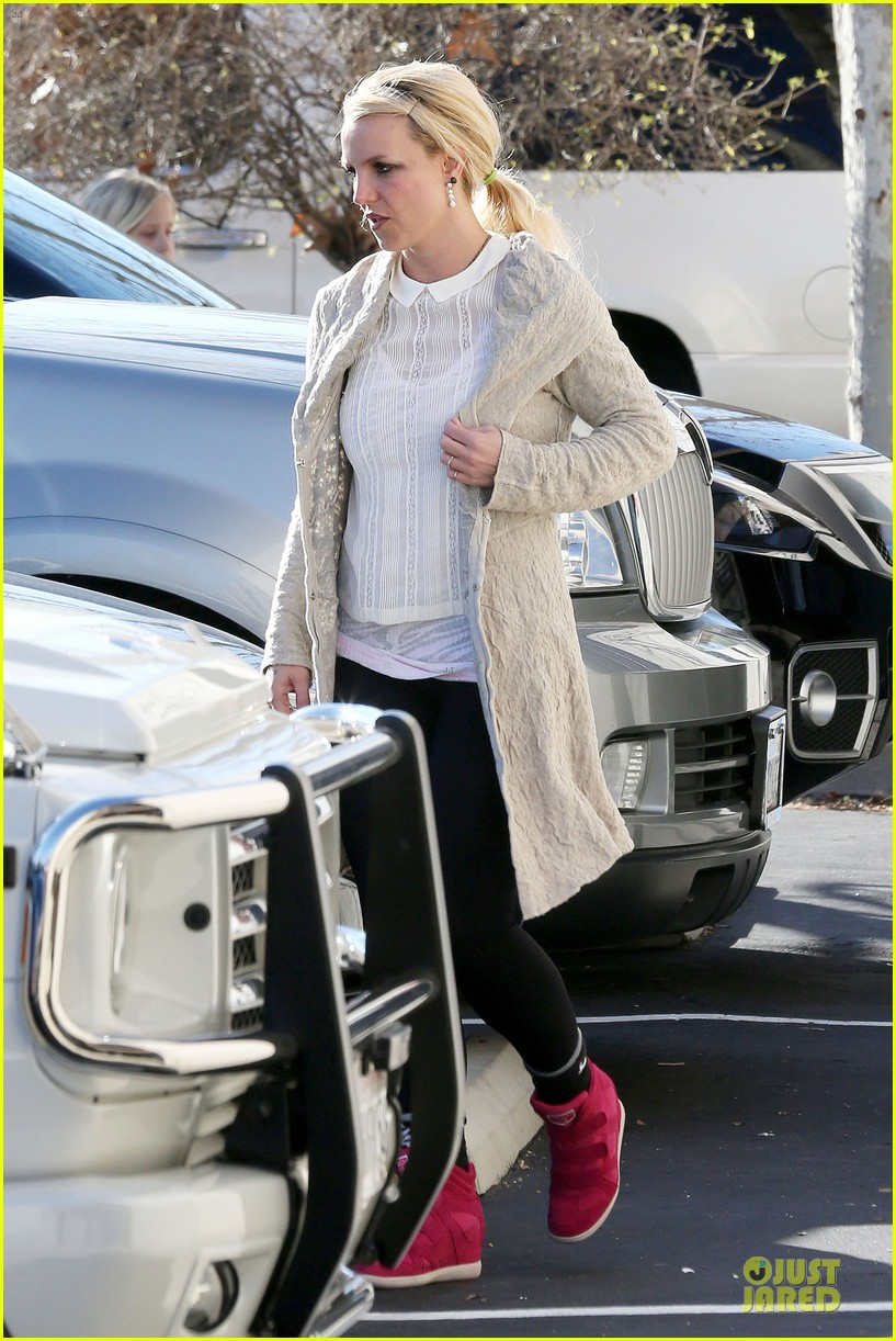 britney spears gymnastics class with the boys 22