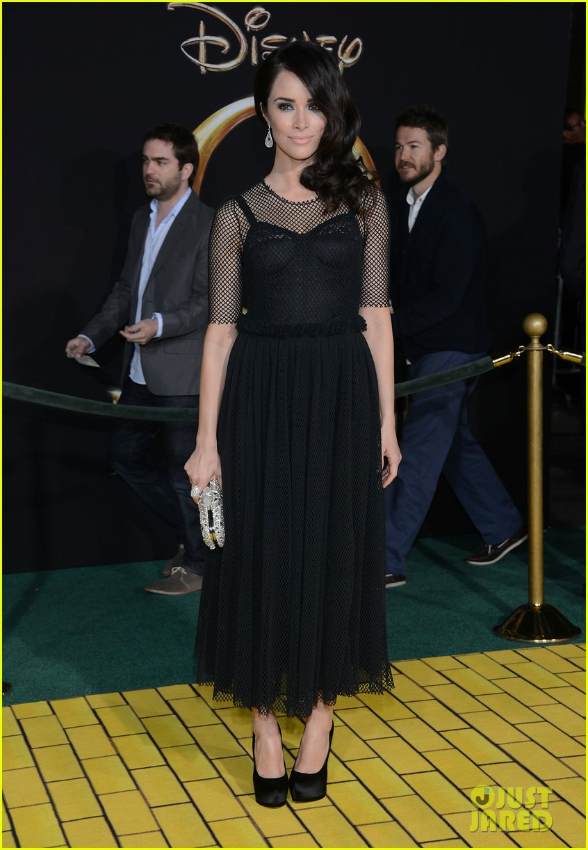 abigail spencer zach braff oz premiere 18