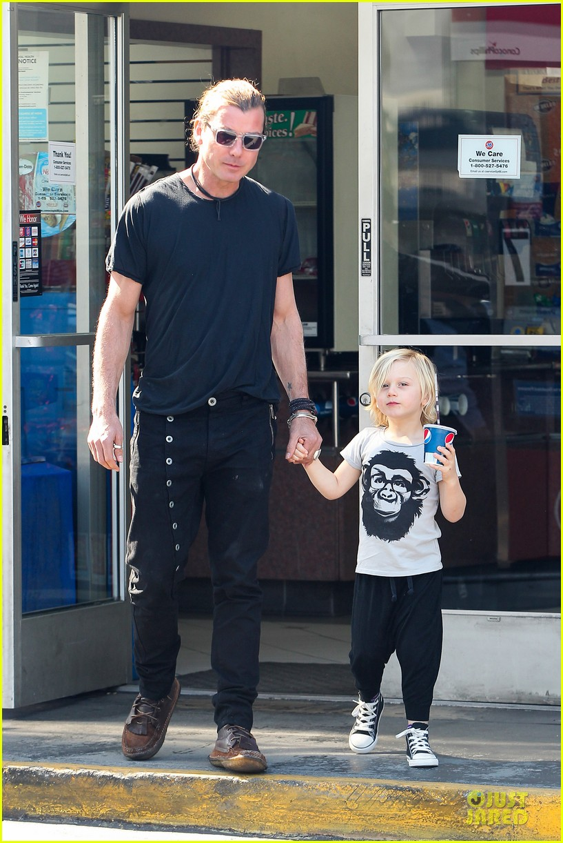 gwen stefani gavin rossdale indio road trip with the boys 03