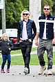 gwen stefani gavin rossdale scootering with the boys 11